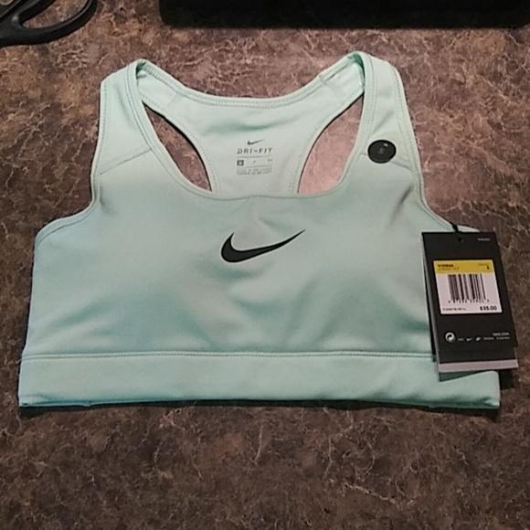0f6e6b0db0 Women s Nike sports bra!! M 5b4cbb903c98443ab55ef389. Other Intimates    Sleepwears you may like